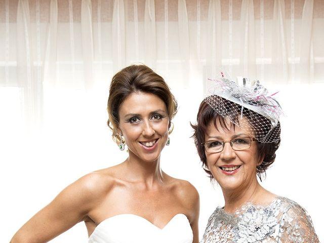 La boda de Raúl  y Paula en Gijón, Asturias 39