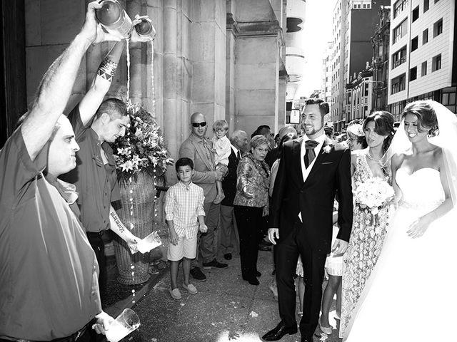 La boda de Raúl  y Paula en Gijón, Asturias 41