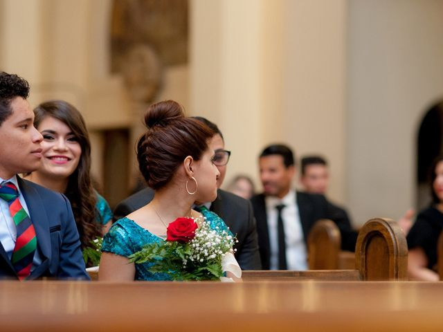La boda de Geovany y Abril en Zaragoza, Zaragoza 47