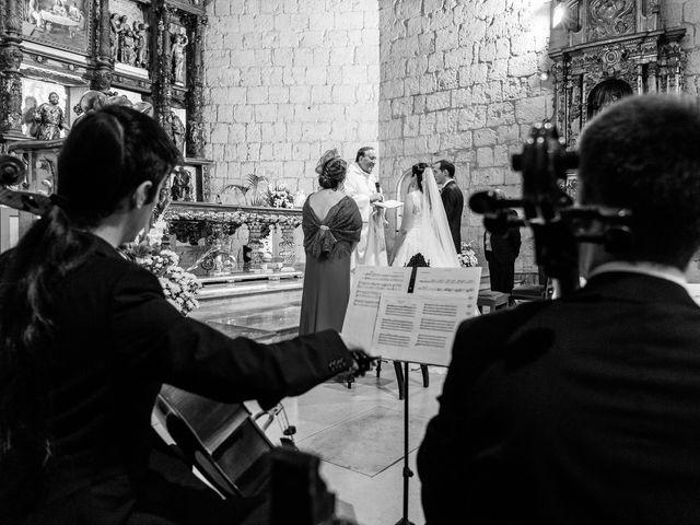La boda de Ismael y Mari Luz en Valoria La Buena, Valladolid 30
