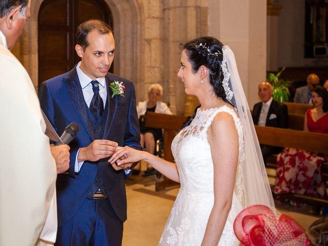 La boda de Ismael y Mari Luz en Valoria La Buena, Valladolid 31