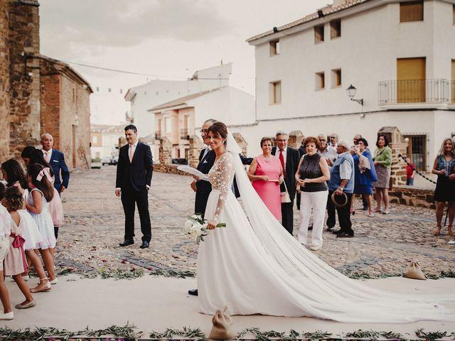 La boda de Alberto y Raquel en Torrenueva, Ciudad Real 82