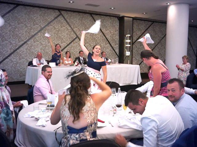 La boda de Juan Luis y Noelia en Avilés, Asturias 13