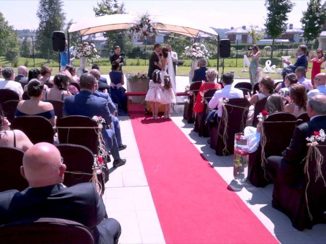 La boda de Juan Luis y Noelia en Avilés, Asturias 27