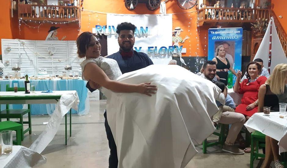 La boda de RUYMAN y FLORA en Vecindario, Las Palmas