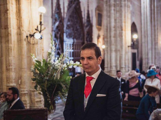 La boda de David y Obdulia en Dos Hermanas, Sevilla 39