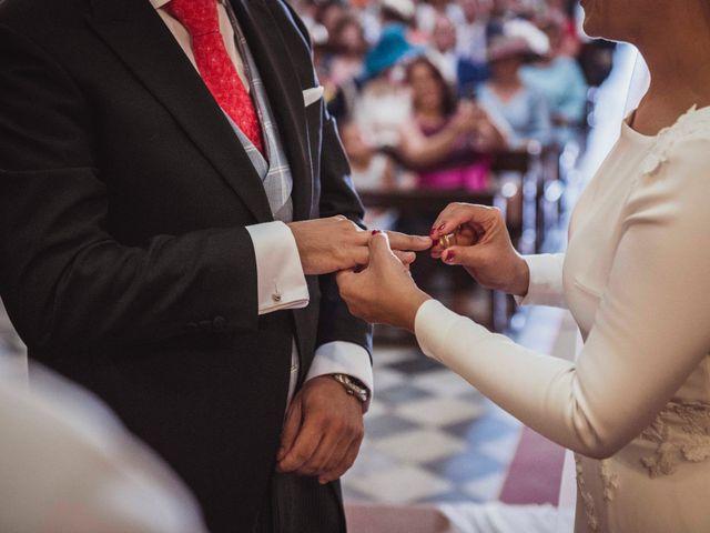 La boda de David y Obdulia en Dos Hermanas, Sevilla 45