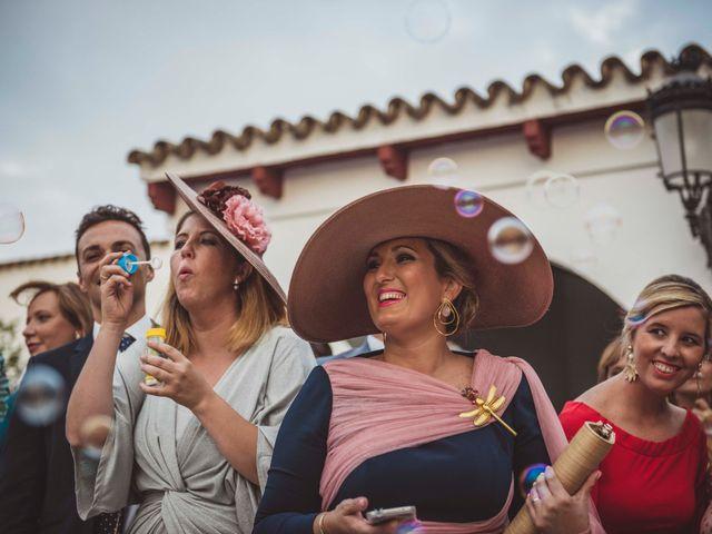 La boda de David y Obdulia en Dos Hermanas, Sevilla 80