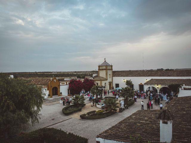 La boda de David y Obdulia en Dos Hermanas, Sevilla 82