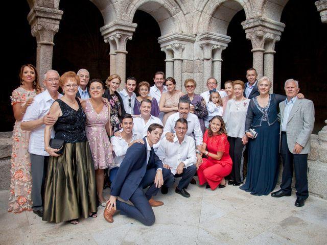 La boda de Javier y Conchi en Nogueira De Ramuin, Orense 24