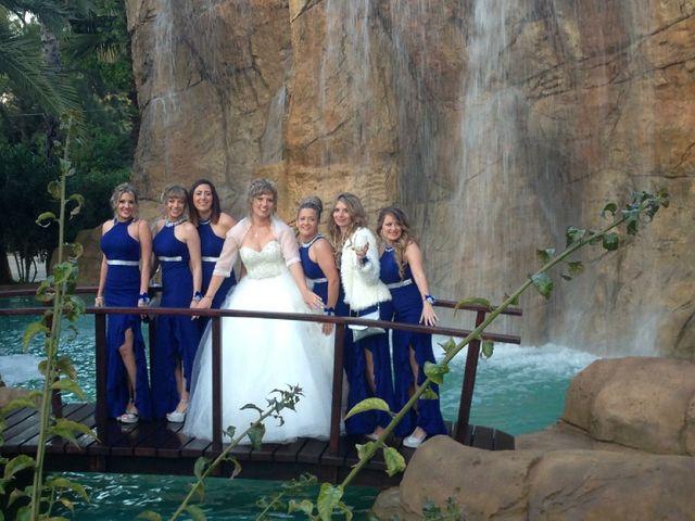 La boda de Adrián   y Nicole   en Dénia, Alicante 3