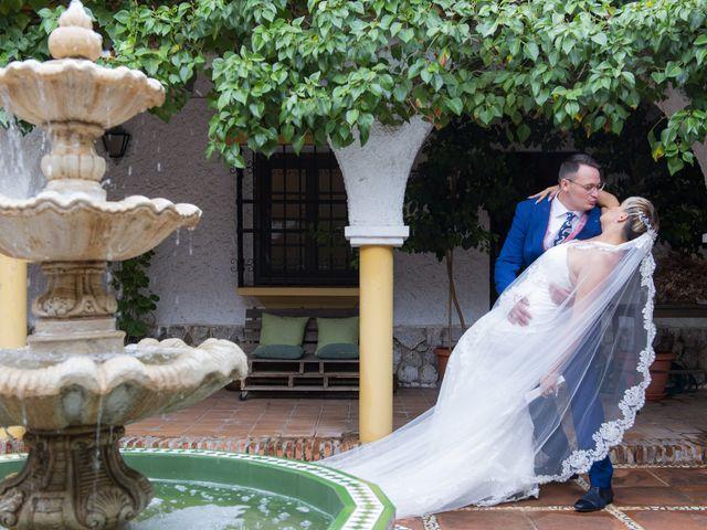 La boda de Manuel y Nayara en Estación De Cartama, Málaga 14