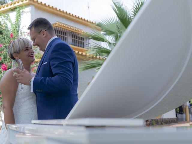 La boda de Manuel y Nayara en Estación De Cartama, Málaga 16