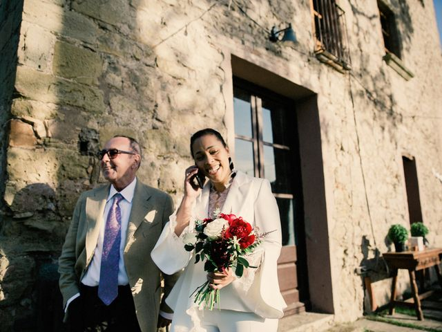 La boda de Ana y Noemí en El Pont De Vilumara I Rocafort, Barcelona 19