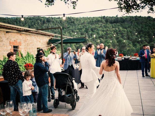 La boda de Ana y Noemí en El Pont De Vilumara I Rocafort, Barcelona 58