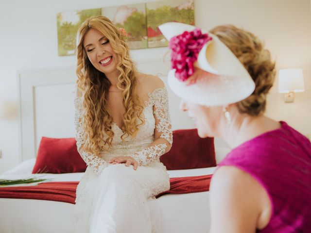La boda de Deby y Rafa en Nerja, Málaga 4