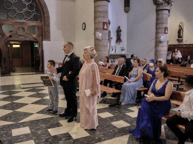 La boda de José Luis y Shirley  en Santa Coloma De Gramenet, Barcelona 11