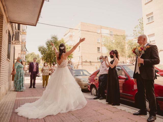 La boda de Carlos y Yenifer en Torrejon De La Calzada, Madrid 18