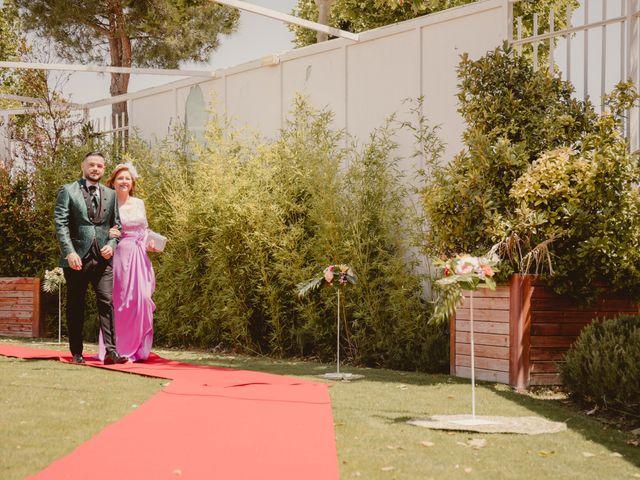 La boda de Carlos y Yenifer en Torrejon De La Calzada, Madrid 24