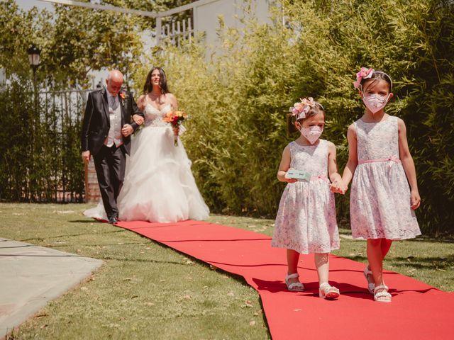 La boda de Carlos y Yenifer en Torrejon De La Calzada, Madrid 25