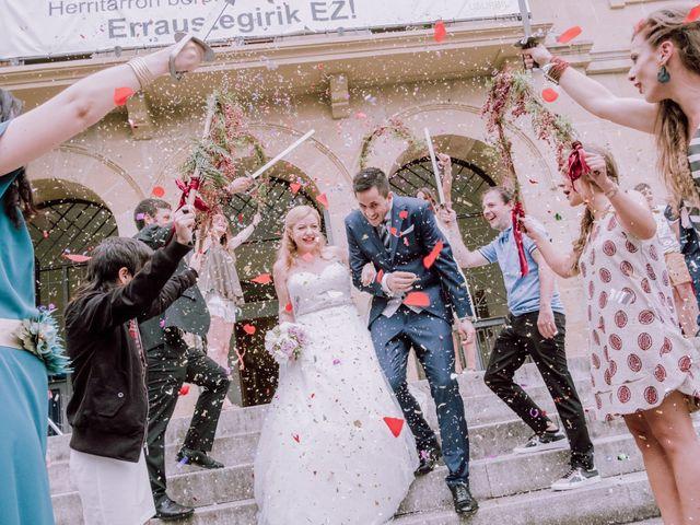 La boda de Mikel y EIder  en Usurbil, Guipúzcoa 32