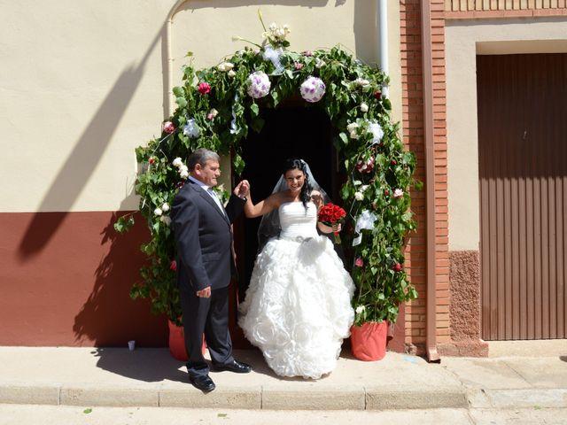 La boda de Rubén y Mary en Monreal Del Campo, Teruel 6