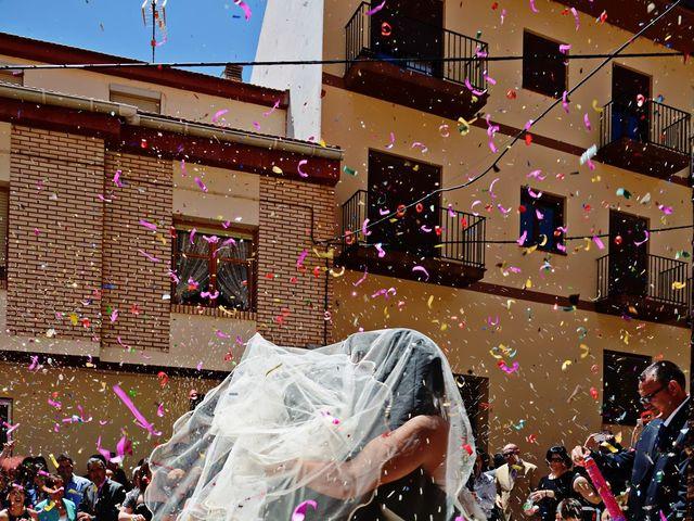 La boda de Rubén y Mary en Monreal Del Campo, Teruel 9