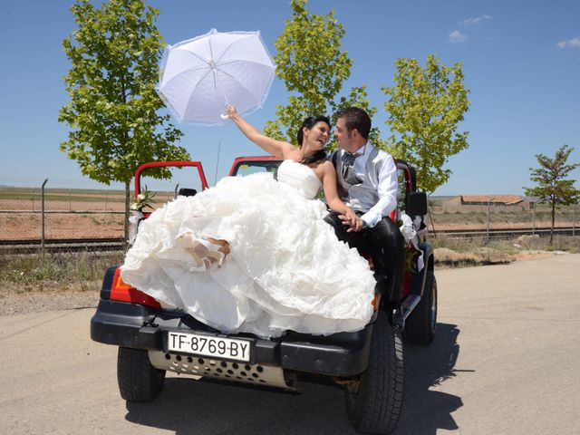 La boda de Rubén y Mary en Monreal Del Campo, Teruel 10