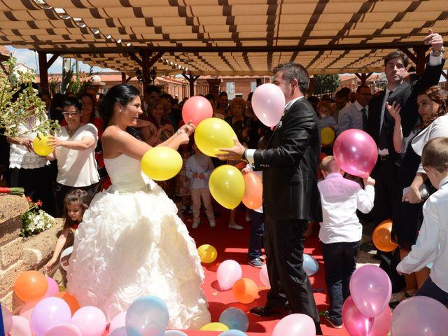 La boda de Rubén y Mary en Monreal Del Campo, Teruel 12