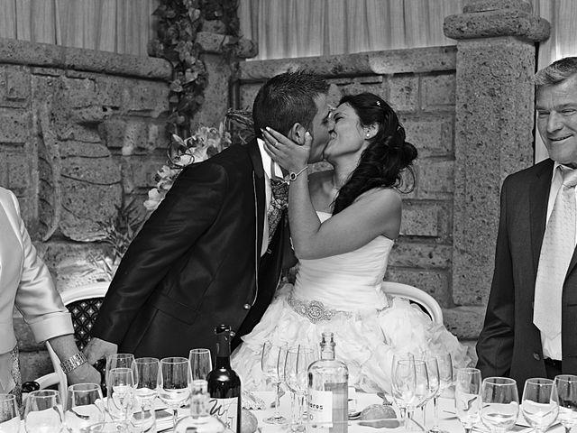 La boda de Rubén y Mary en Monreal Del Campo, Teruel 13