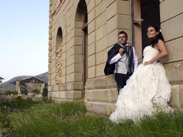 La boda de Rubén y Mary en Monreal Del Campo, Teruel 16