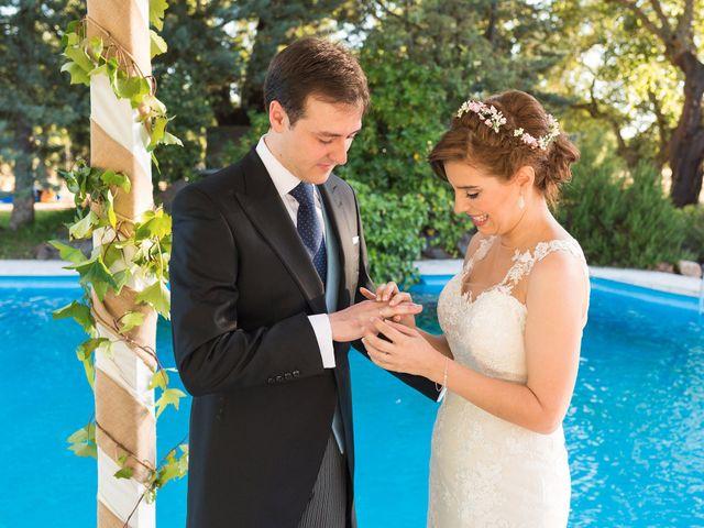 La boda de José y Laura en Badajoz, Badajoz 13