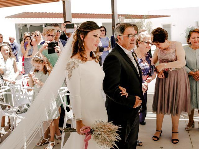 La boda de Alejandro y Beatriz en Garrovillas, Cáceres 15