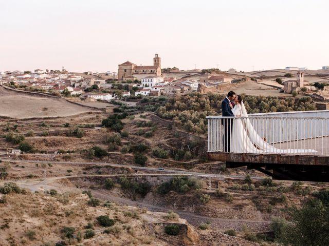 La boda de Alejandro y Beatriz en Garrovillas, Cáceres 35