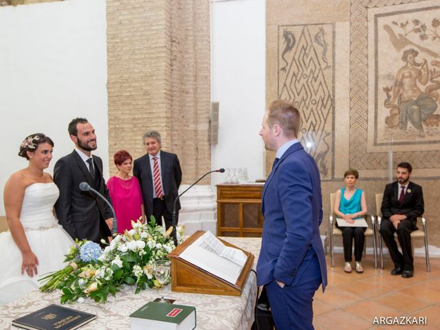 La boda de Manu y Nago en Bilbao, Vizcaya 24