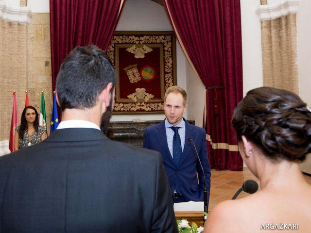La boda de Manu y Nago en Bilbao, Vizcaya 25