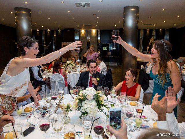 La boda de Manu y Nago en Bilbao, Vizcaya 54