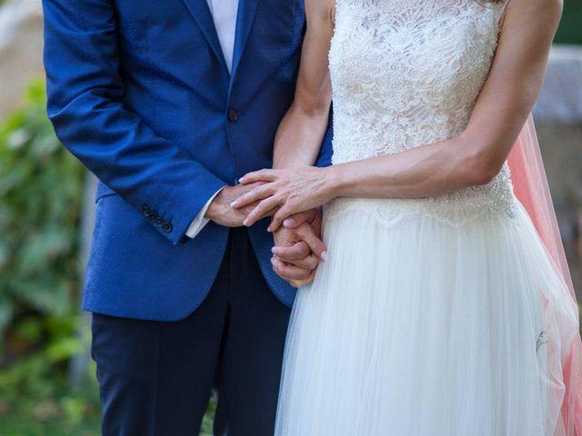 La boda de David y Carolina en Hoyuelos, Segovia 33