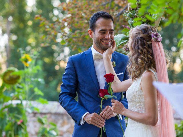 La boda de David y Carolina en Hoyuelos, Segovia 34