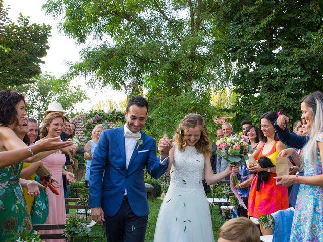 La boda de David y Carolina en Hoyuelos, Segovia 38