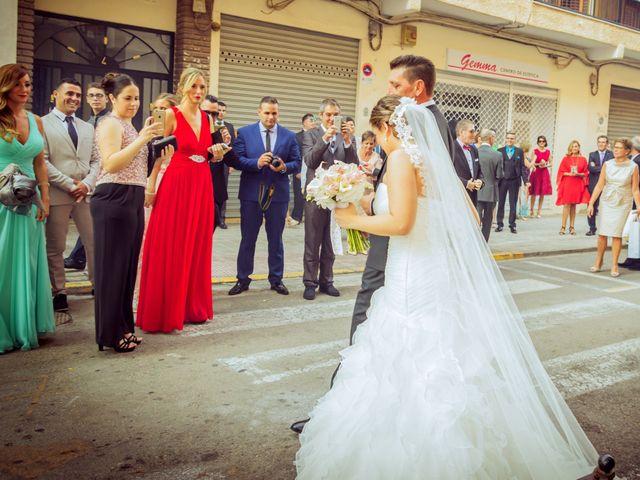 La boda de Sergio y Marta en Manises, Valencia 22