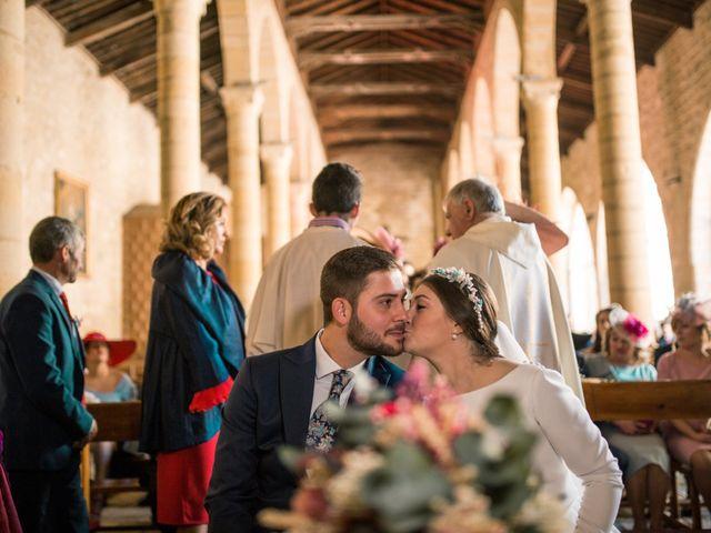 La boda de Carlos y Laura en Torreperogil, Jaén 30