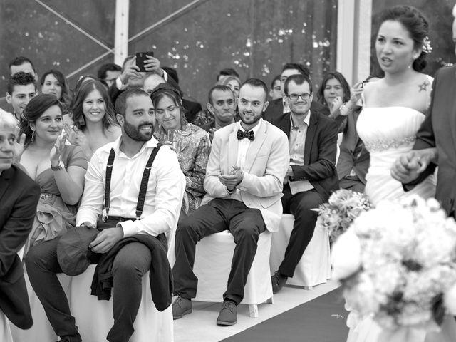 La boda de Óscar y Fabiola en Vigo, Pontevedra 43