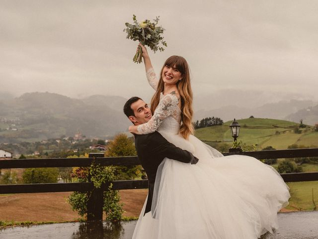 La boda de Carlos y Ane en Pueblo Zizurkil, Guipúzcoa 41