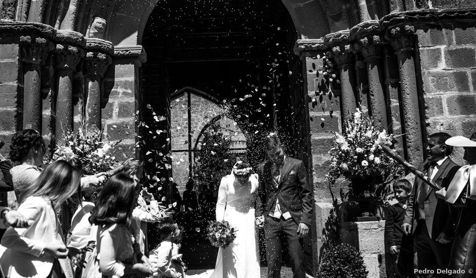La boda de Carlos y Laura en Torreperogil, Jaén