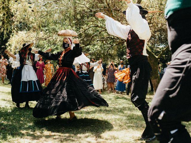 La boda de Sergio y Antia en Santiago De Compostela, A Coruña 333
