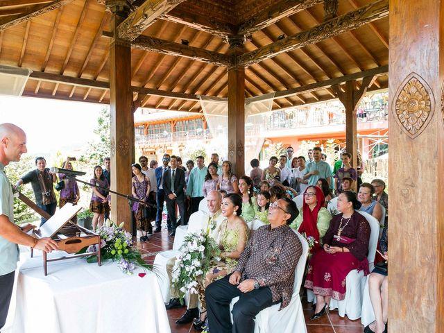La boda de Mikel y Gitcha en Zeanuri, Vizcaya 31
