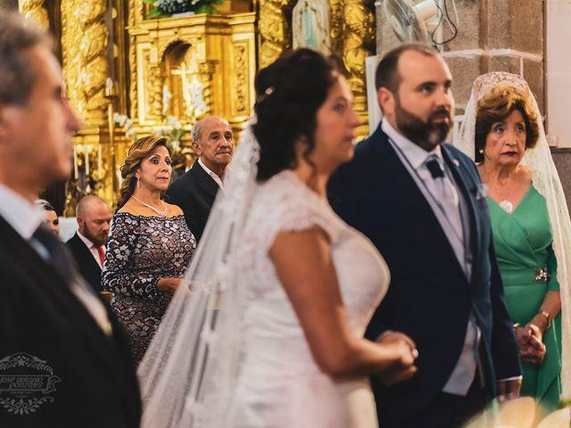 La boda de Leo y Hena en Villanueva De La Serena, Badajoz 18