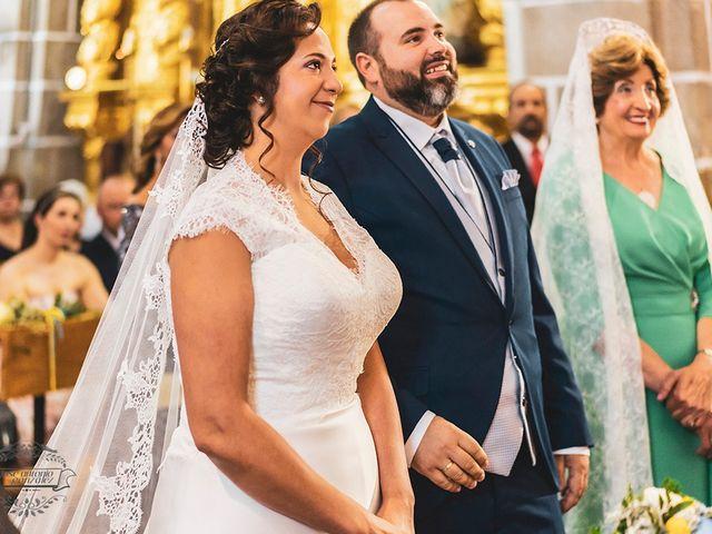 La boda de Leo y Hena en Villanueva De La Serena, Badajoz 20