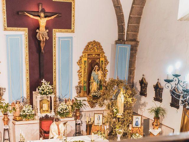 La boda de Leo y Hena en Villanueva De La Serena, Badajoz 25